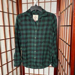 Green black plaid flannel button down shirt